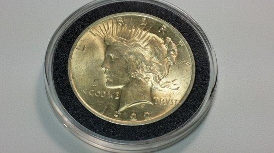 1922-p PEACE DOLLAR w/ Gold Toning