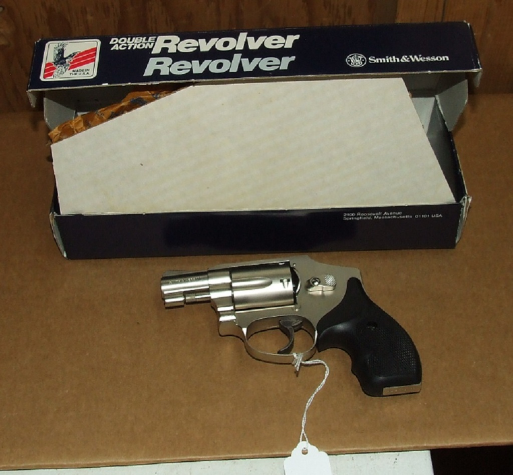 Lot: Smith & Wesson 442 38 Spec revolver | Proxibid Auctions
