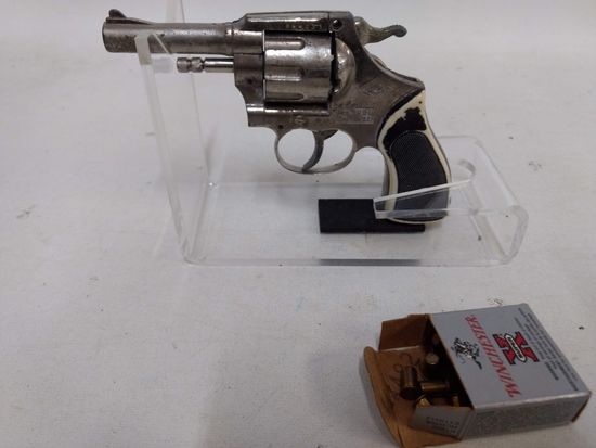 Model 999 22 Cal Starter Gun & Cas