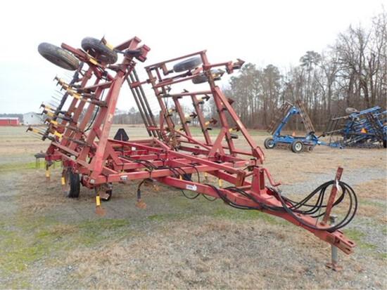 Case IH 4800 Field Cultivator W/ Mid West Drag