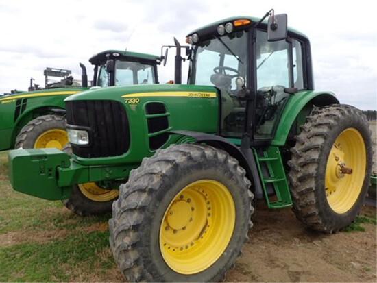 John Deere 7330 premium 4x4 Tractor