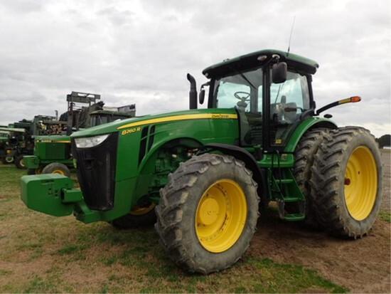 John Deere 8260R 4x4 Tractor