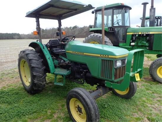 John Deere 5200 Tractor 2 Wheel Drive