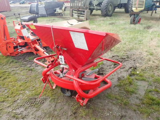 Like New Lely Model 1250 3 point hitch spreader