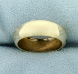Woman's Traditional Wedding Band Ring In 14k Yellow Gold