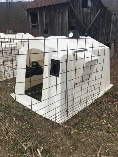 Poly Square calf hutch