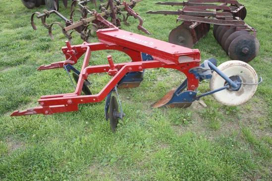 IH 211 fast hitch plow, restored