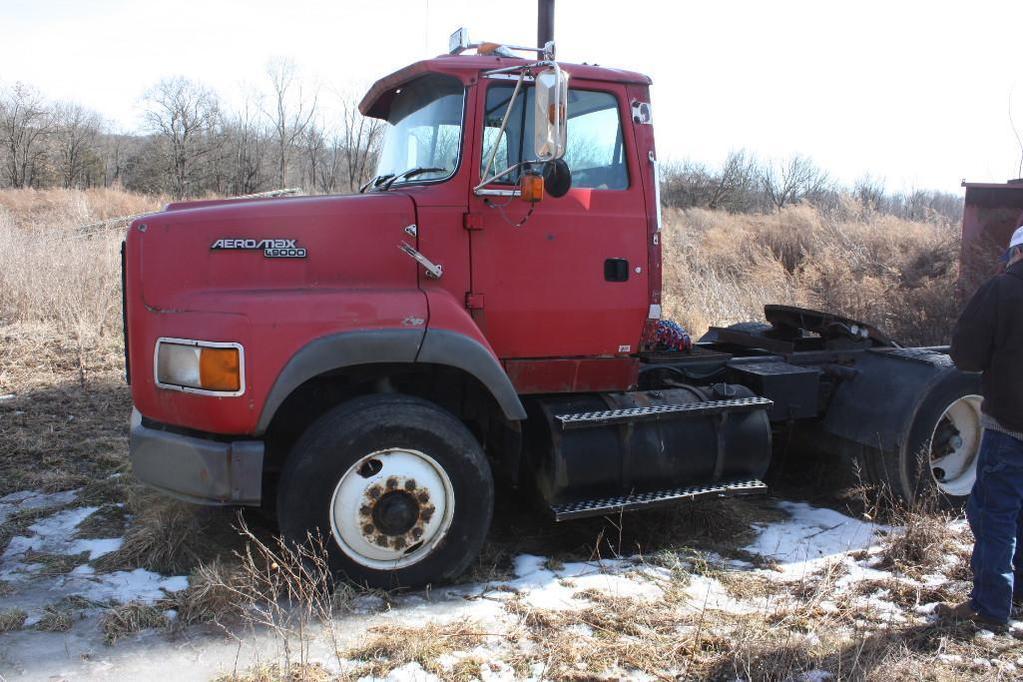 1993 Ford Aeromax 9000 single axle tractor