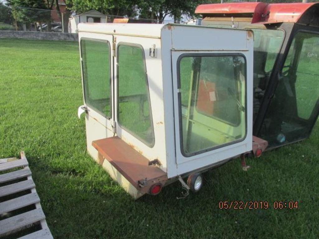 "IH ""Ice cream box"" cab in very nice condition"