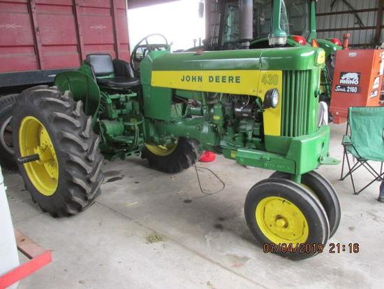 JD 430-T in Expo ready condition, P-Steering, full set of front wrap around weights