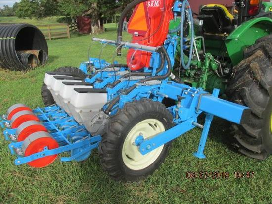 2016 Monosem 4 row planter, is same as new