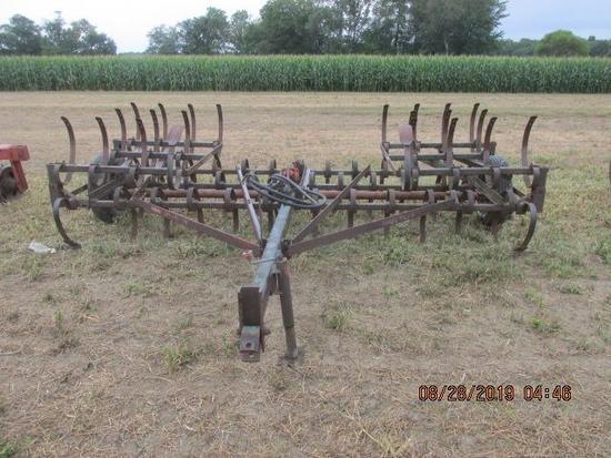 18' Brillion field cultivator, 18' manual fold;