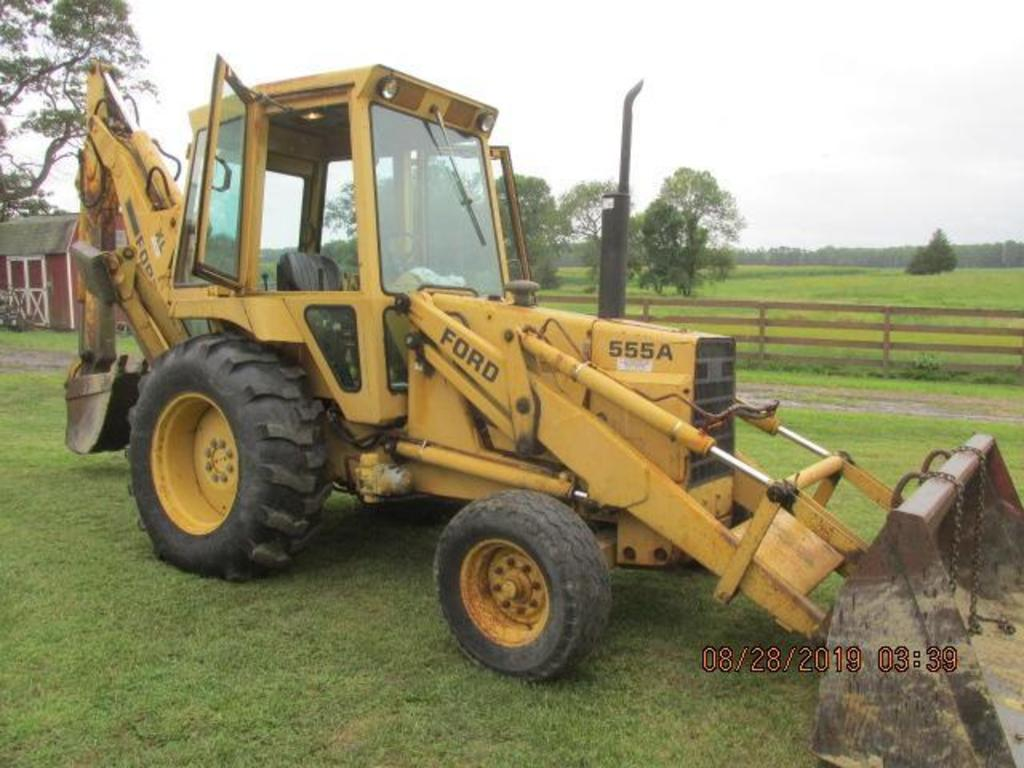 Ford 555A Loader with XL Backhoe and cab,