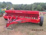 IH # 5100 seed drill with grass boxes, 21 hole X 7