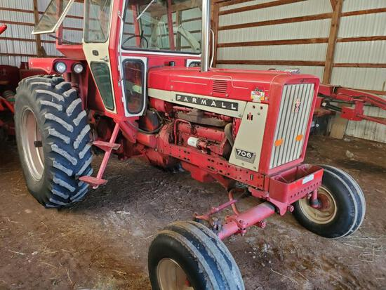 1967 Farmall 706 with D-310 engine