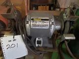 Black & Decker  bench grinder on stand