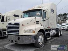 2012 MACK CXU613 TANDEMM AXLE TRUCK TRACTOR