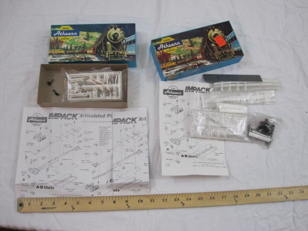 Lot: Lot of HO Scale Plastic Model Parts including Impack Ends and