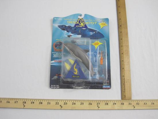 SeaQuest DSV Darwin the Dolphin Action Figure, sealed in original packaging, 1994 Playmates, 4 oz