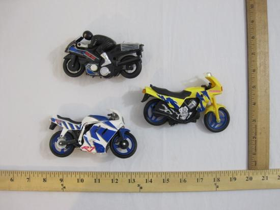 Three Motorcycle Vehicles from Maisto and more, 9 oz