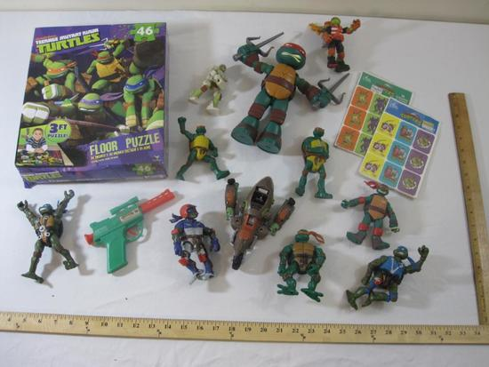 Lot of TMNT Teenage Mutant Ninja Turtles Toys including Floor Puzzle in original box, action