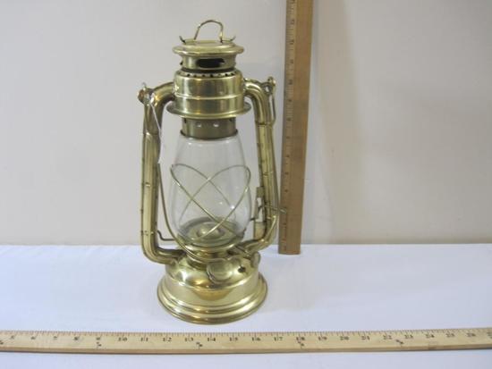 Heavy Brass Reproduction Barn Lantern, Fully Functioning, 1 lb 10 oz