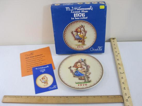 MJ Hummel Annual Plate 1976, Goebel, in original box, 1 lb