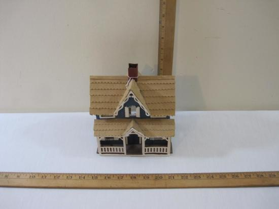 Victorian Style House for Train Displays, thin wood and cardboard construction, 8 oz