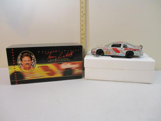 Terry Labonte #5 1/18 Scale Die-Cast Monte Carlo Stock Car, Ertl Collectibles Prestige Series, Stock