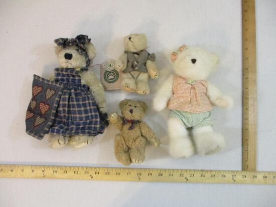 Four Vintage Boyd's Bears, 1 lb 6 oz