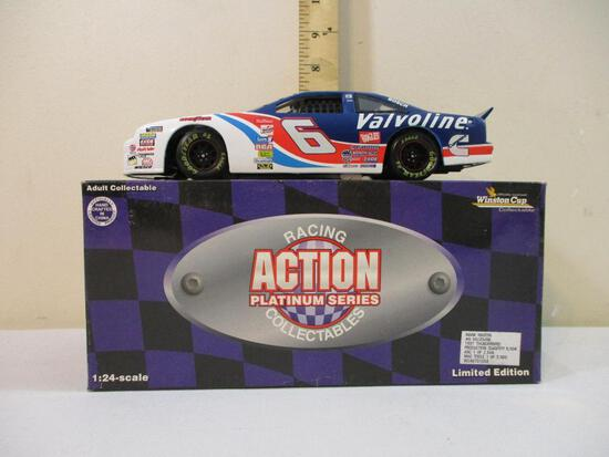 Mark Martin #6 Valvoline 1997 Thunderbird 1:24 Scale Die-Cast Stock Car, Action Platinum Series