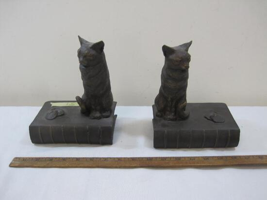 Pair of Levenger Hodge the Cat Resin Bookends