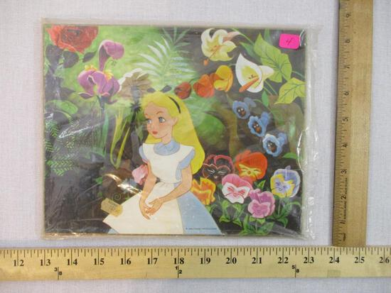 Alice in Wonderland Wall Hanging, Walt Disney Productions, 11 oz