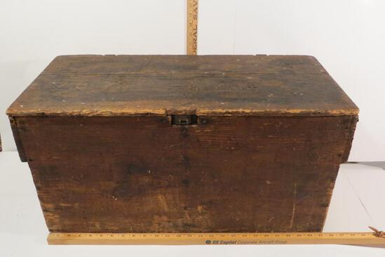 Antique Egg Crate, HH Reinert, Boyertown PA with 8 original egg packing trays