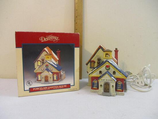 Olde School Lemax Dickensvale Collectibles Porcelain Lighted House, in original box, 1993 Lemax Inc,