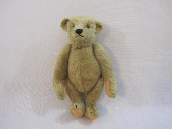 Vintage Steiff Poseable Teddy Bear with ear button, 10 oz