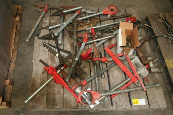 Assorted Pipe Treaders/Tools