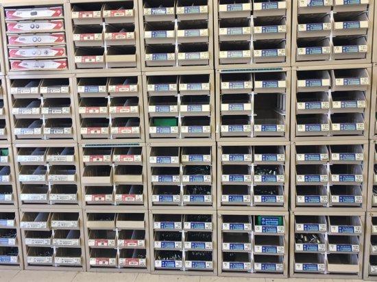 20 bolt bins and trays