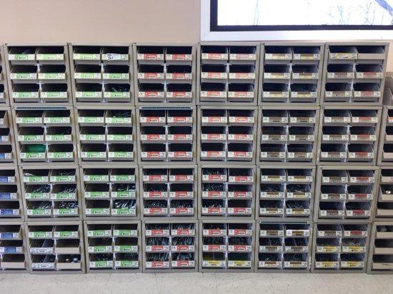 24 bolt bins and trays