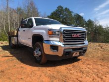2017 GMC 3500HD CREW CAB FLAT BED. 4X4.