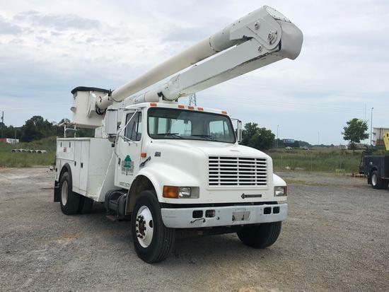 1999 INTERNATIONAL 4700 BUCKET TRUCK | Commercial Trucks