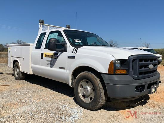 2006 FORD F350 XL SUPER DUTY