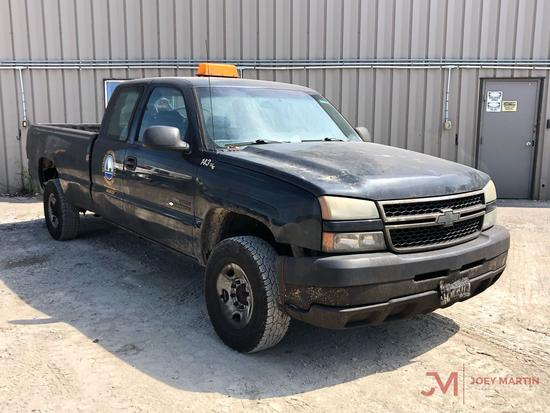 2006 CHEVROLET 2500HD PICKUP TRUCK