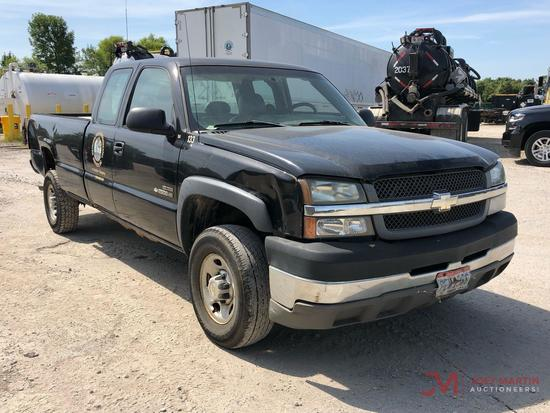 2004 CHEVROLET 2500HD PICKUP TRUCK