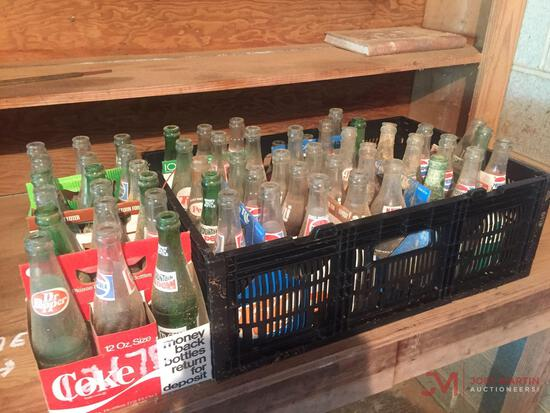 1 LOT OF ANTIQUE BOTTLES