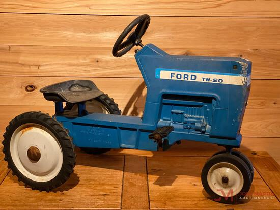 FORD TW-20 PEDAL TRACTOR, MODEL F-68, TRICYCLE