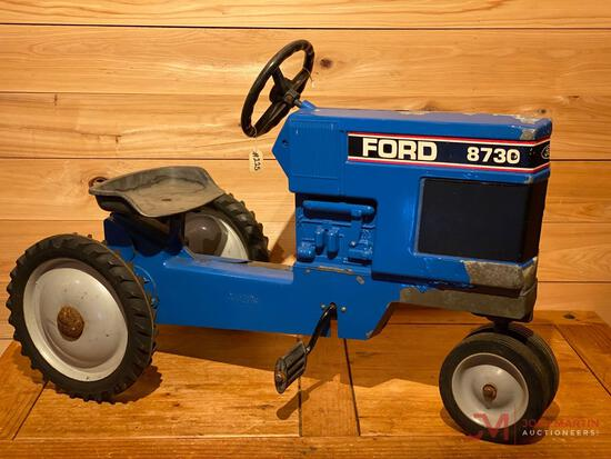 FORD 8730 PEDAL TRACTOR(hard to turn steering wheel)