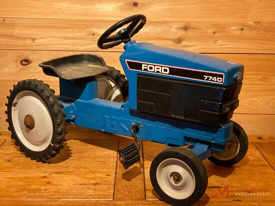 FORD 7740 PEDAL TRACTOR