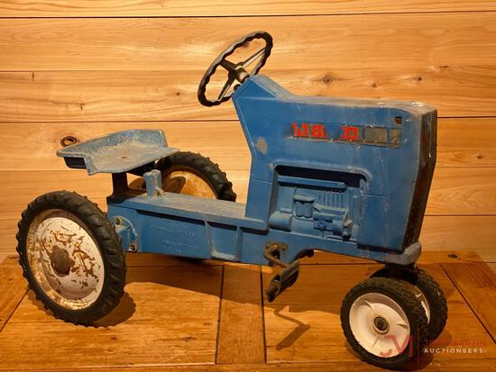 FORD 8000 PEDAL TRACTOR (F-68)