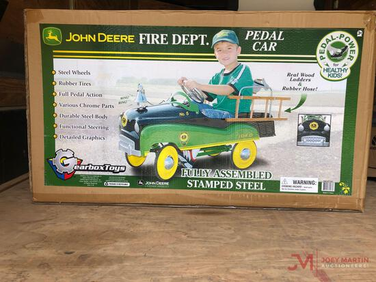 JOHN DEERE FIRE DEPARTMENT NO.5 PEDAL TRUCK (STILL IN ORIGINAL BOX)